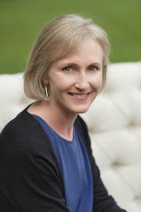 a picture of Elizabeth Knapp